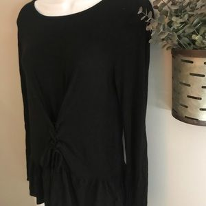 Long sleeve top with lace up bottom knot